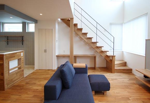 ゆったり落ち着く広々リビングの家 新築・注文住宅 4LDK 35坪