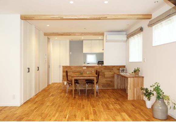 「好き」と「暮らしやすさ」にこだわった勾配屋根のおうち 住宅 新築 工務店 ハウスメーカー